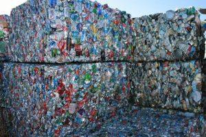 Jätteiden pakkaus